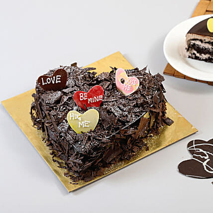 Love In Abundance Cake Half kg:Heart Shaped Gifts