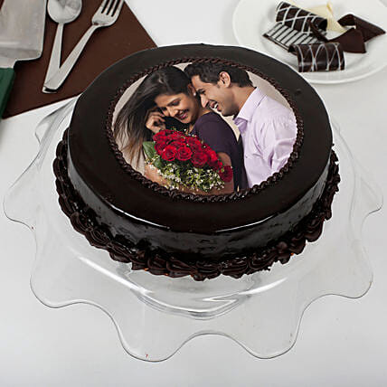 Personalised Round Shape Chocolate Cake:Photo Cakes