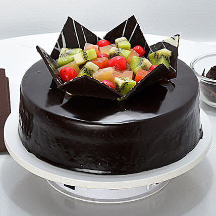 Chocolate Fruit Gateau Half kg:New Year Cakes Chennai