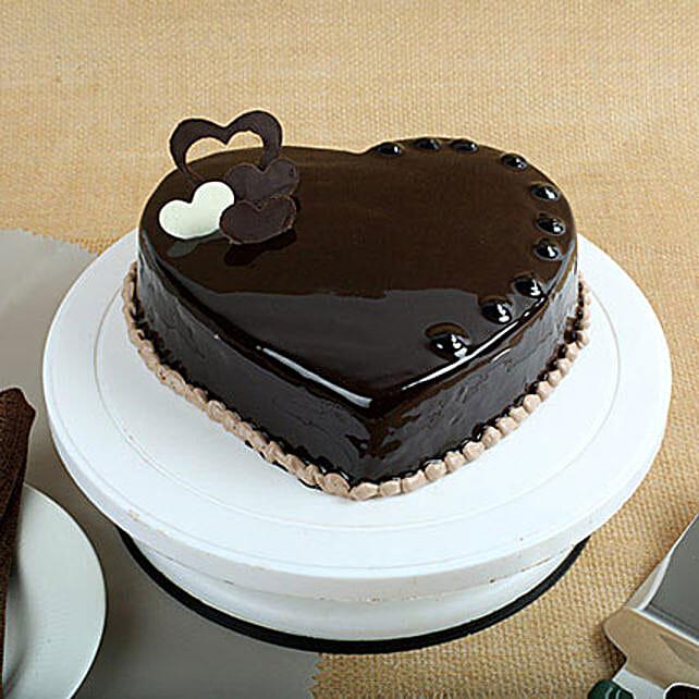 Choco heart cake half kg