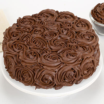 Chocolaty Rose Cake Half kg:Wedding Cakes to Dehradun