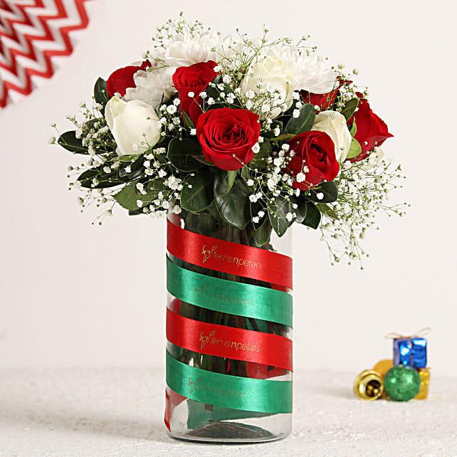 Christmas Roses Bunch In Vase:Christmas Flowers