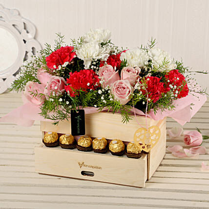 Online Roses And Carnations Basket:Premium & Exclusive Gift Collection