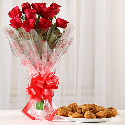 Classic Red Roses Bouquet & 1 Kg Gujia