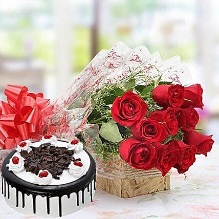 Romantic Roses With Sweet Cake