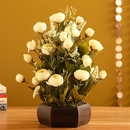 Cream Rahinoclose Rose Arrangement