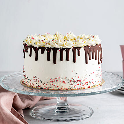drip chocolate cake online:Send Chocolate Cakes