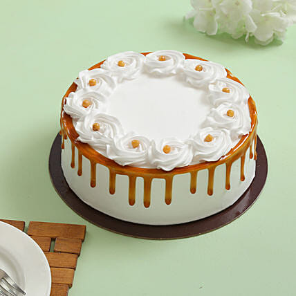 Declicious cruncy butterscotch cream cake:Butterscotch Cake