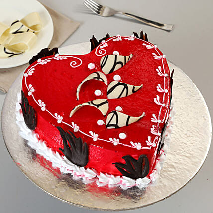 Red heart shape cake 1kg