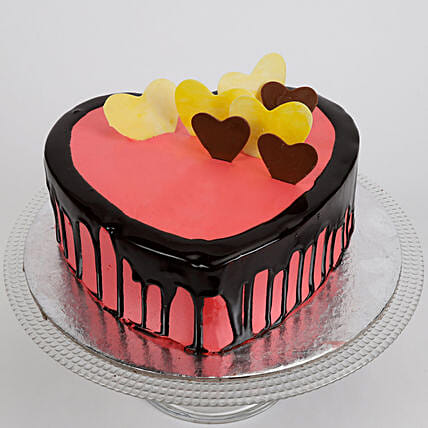 Rose Cake 1kg:Heart Shaped Cakes Delivery