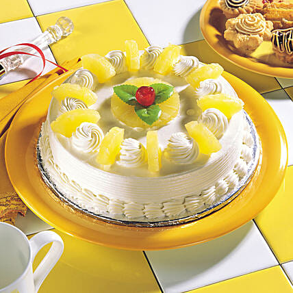 Delicious Pineapple Cream Cake