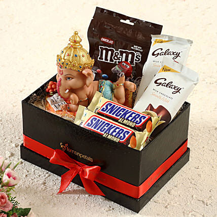 Sweets & Ganesha Idol Gift Hamper