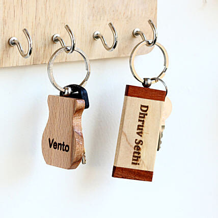printed wooden key chain set