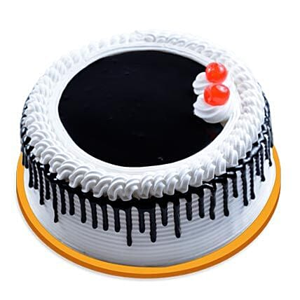 Black Forest Cake with White Cream:Cake Delivery in Sangli