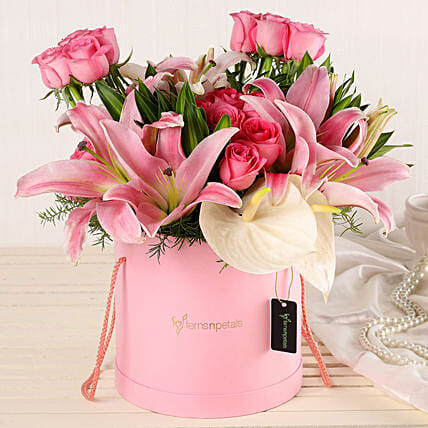 Online Lilies And Roses Bouquet:Premium Flowers