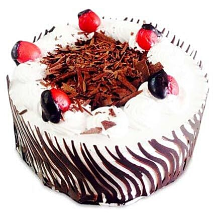 Exotic Blackforest Cake Half kg:Cake Delivery in Alwaye