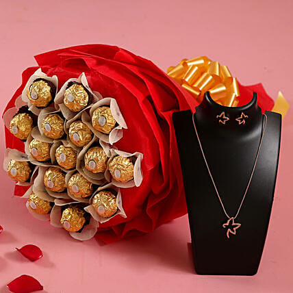 Ferrero Rocher Bouquet n Necklace for Wife:Womens Day Combos