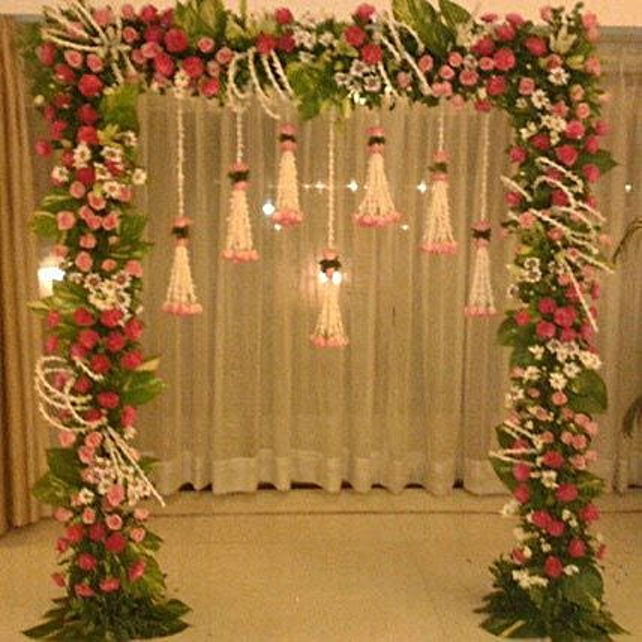 Floral Gateway Hanging Decoration:Flower Decorations