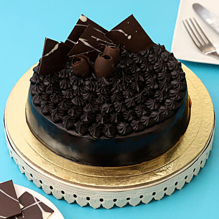Fudge Brownie Cake Half kg:Designer cakes for anniversary