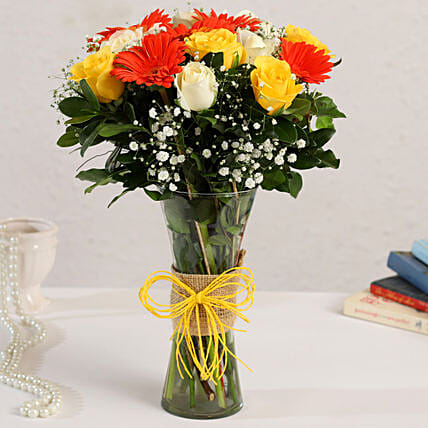 roses in glass vase online:Gerberas Flower