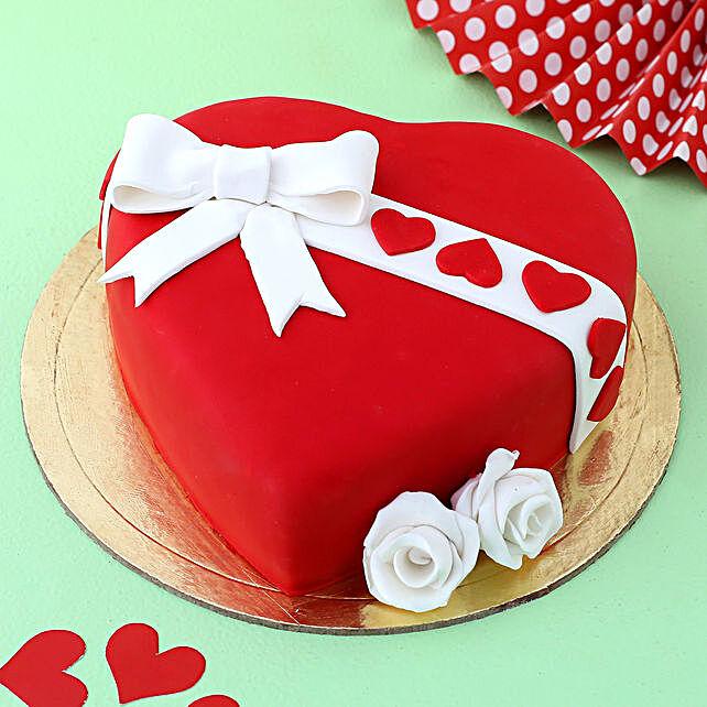 Gift Your Heart Fondant Cake