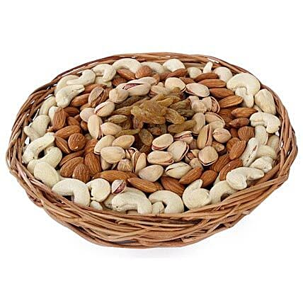 Half kg Dry fruits Baske-One round basket,500gm Dry Fruits including Almonds,Pista,Cashews,Raisins