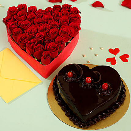 Red Roses and Cake Arrangement Online:Valentines Day Flowers & Cakes