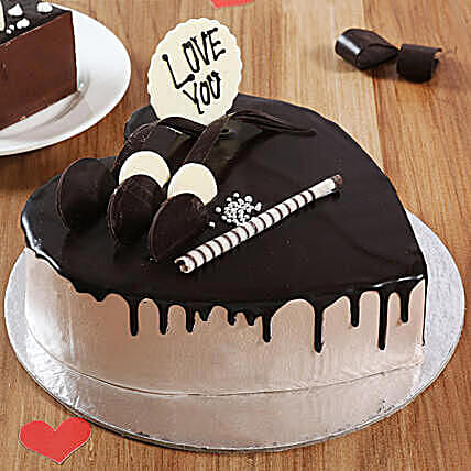 Online creamy Heart shape cake:Heart Shaped Cakes Delivery