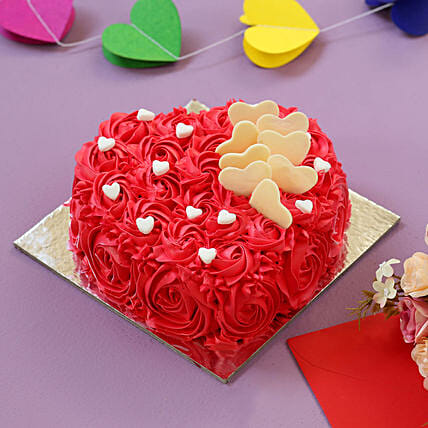 Romantic Cake For Valentine's Day