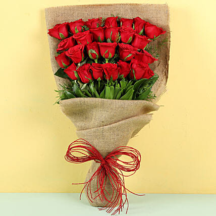 Red Roses Bouquet with Jute Wrap:Red Flowers