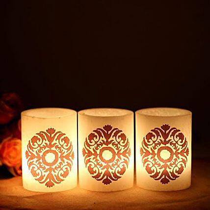 Your gift contains 3 Hollow Heena Candles