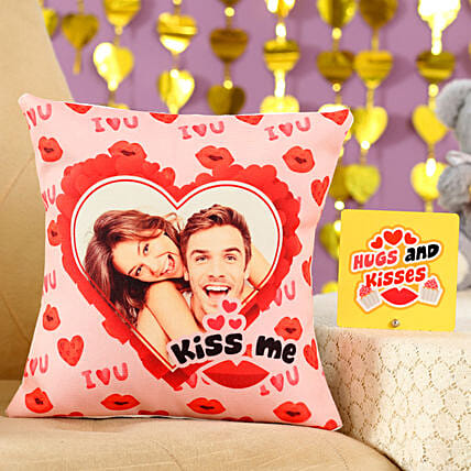 Kiss Me Cushion Table Top Combo:Send Gifts for Hug Day