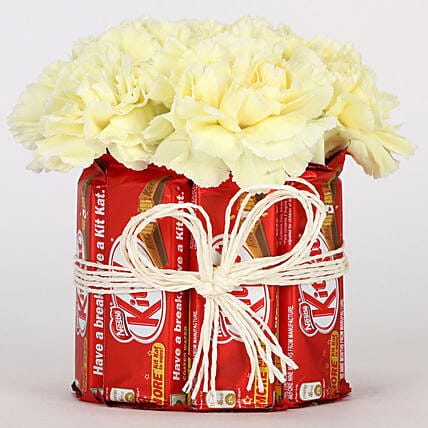 Kit Kat and Carnation Combo Online:Happy Birthday Flowers And Chocolates