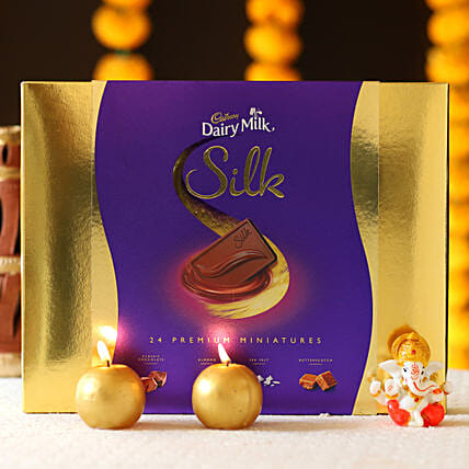 online silk chocolate combo with candle