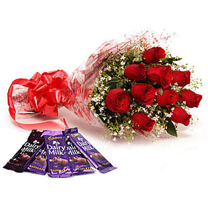 Bouquet of red roses and chocolates:Send Flowers to Ratlam