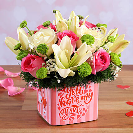 online flower in vase arrangement for vday