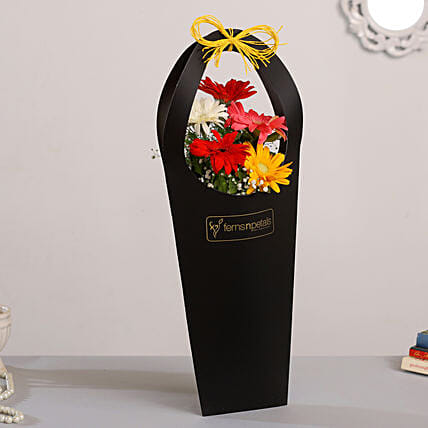 online flower arrangement:Send Flowers In Sleeve