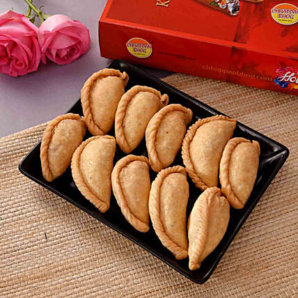 Mouth Watering Kesar Gujiya 500 gms