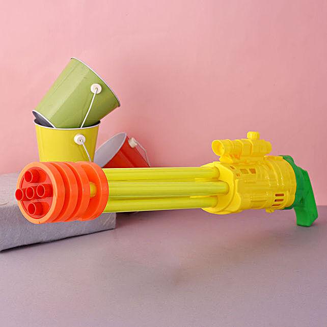 Multibarrel Yellow And Orange Water Gun:Pichkaris