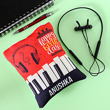 wireless headphone with personalised pouch