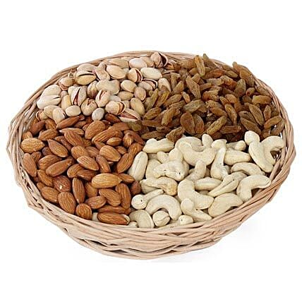 Dry fruits Baske-1 round basket,1 kg Dry Fruits including Almonds,Pista,Cashews,Raisins