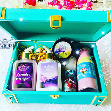 Pamper Your Love Trunk:Cosmetics & Spa Hampers