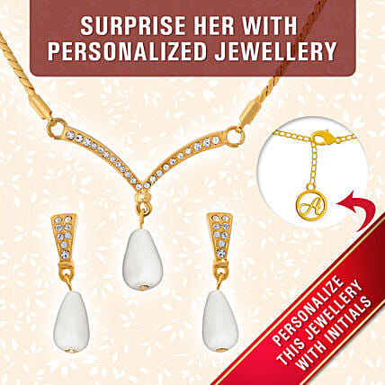 online gold plated pendant with pearl:Personalised Jewellery