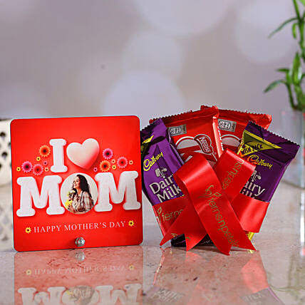 Personalised I Love Mom Table Top And Chocolates