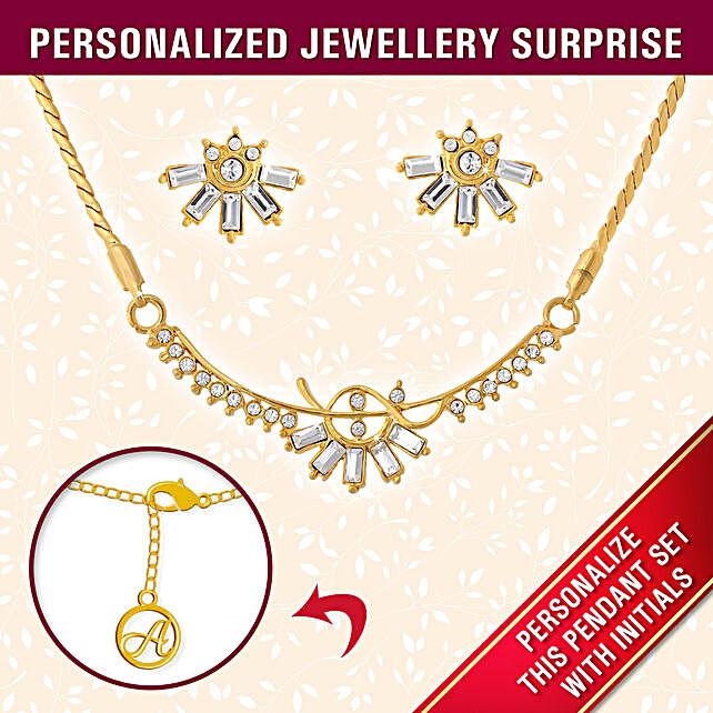 Personalised Stylish Gold Pendant Set