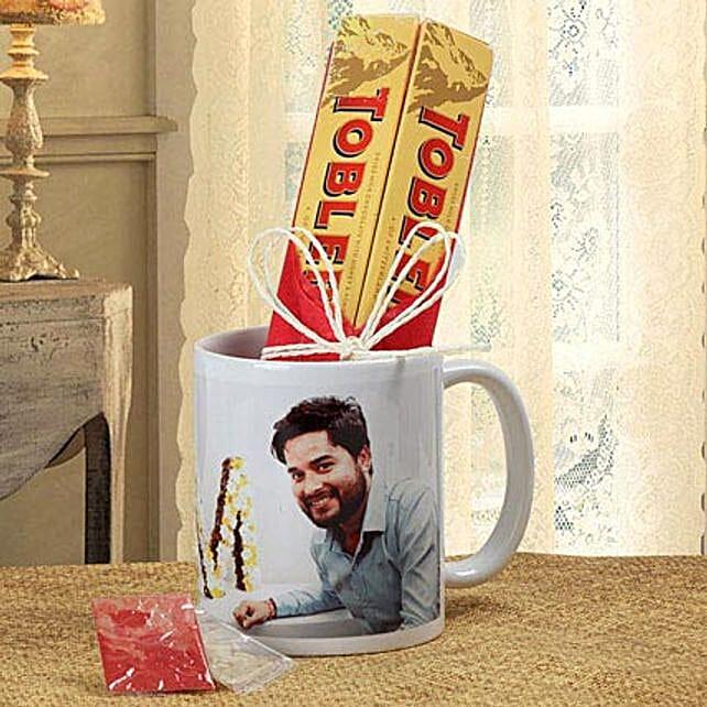 Personalized mug with chocolates
