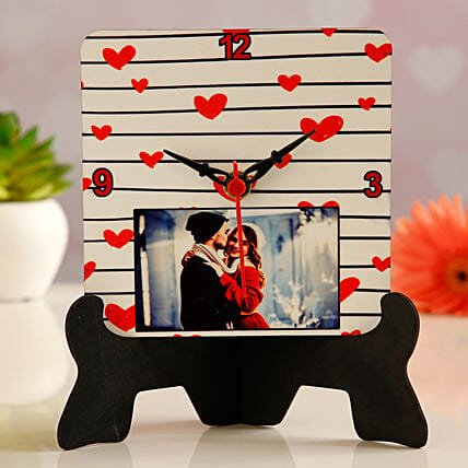 table clock for vday:Send Hug Day Personalised Gifts