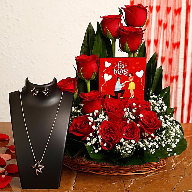 flower arrangement with necklace set online