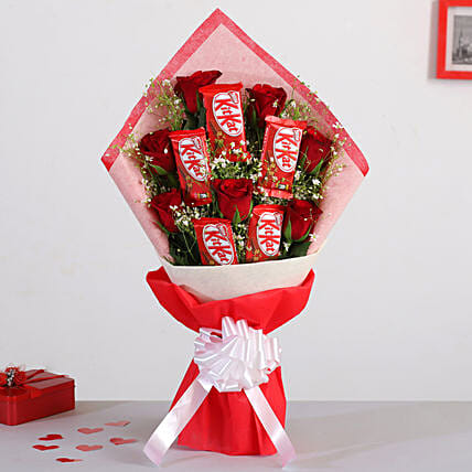 Red Roses Bunch With Nestle Kitkat Chocolates:Gifts for Chocolate Day