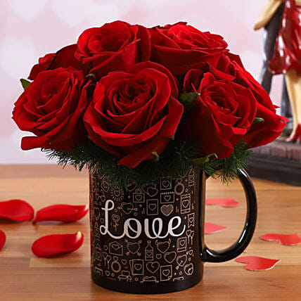 Red Roses In Love V-Day Mug:Flower Arrangements
